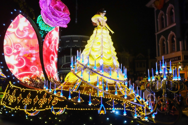 Belle at the Paint the Night Parade (Photo: Michelle Rae Uy)