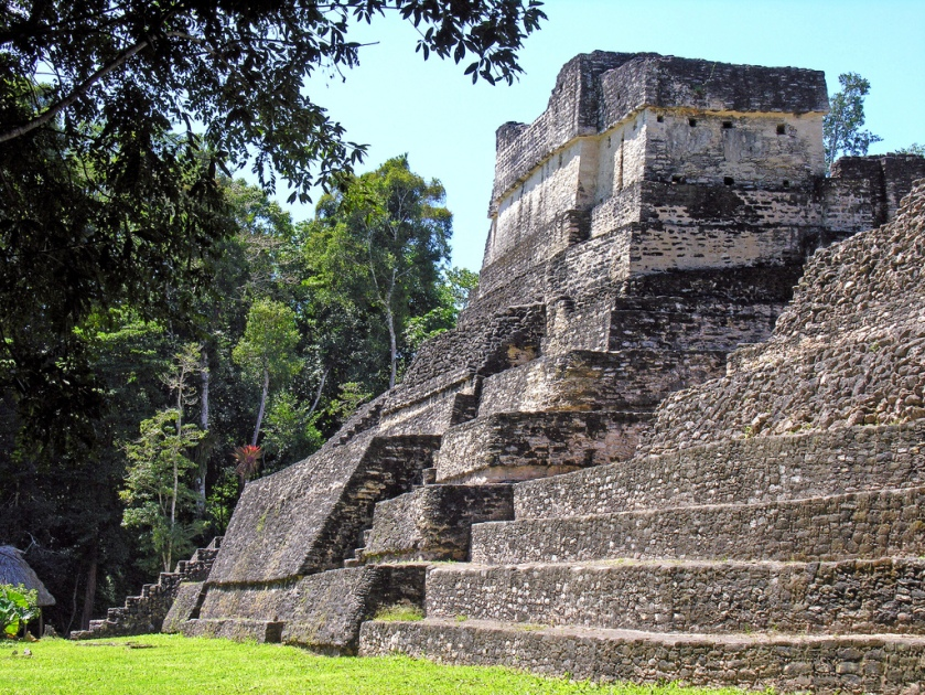 Temple in Plaza A in Caracol, Belize (Photo: Dennis Jarvis)