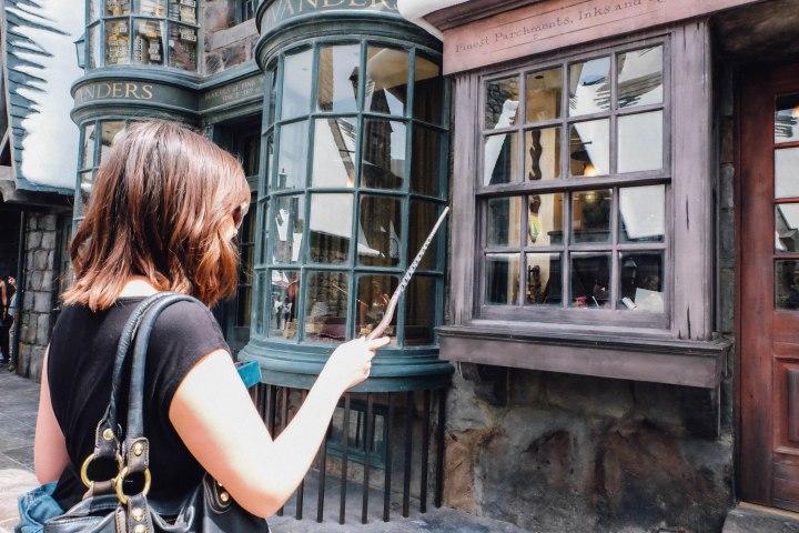 Travel writer Ashley Burnett tries her hand at magic (Photo: Michelle Rae Uy)